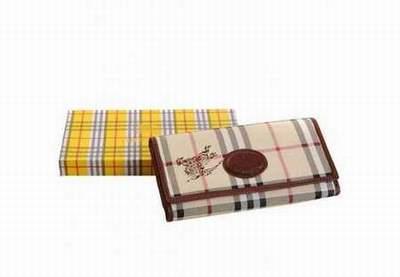 portefeuille roxy intersport portefeuille le tanneur portefeuille homme ungaro. Black Bedroom Furniture Sets. Home Design Ideas